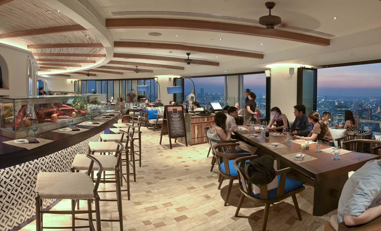 Bangkok Restaurant Uno Mas - Chilling & Dining deck